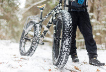 The Guy Keeps Fatbike In The W...
