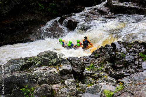 white water rafting down the river garry killicrankie scotland Poster Mural XXL