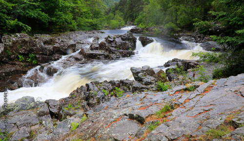 Fotografie, Obraz  rapids down the river garry  perth scotland
