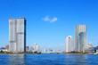 晴海運河と高層ビル