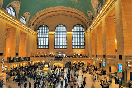 Montage in der Fensternische New York Interior of Grand Central Terminal in New York City