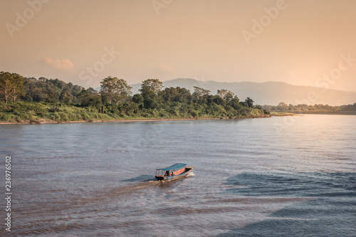 Photo Ferry crossing from Thailand to Laos