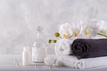 Obraz na płótnie Canvas Spa massage and wellness