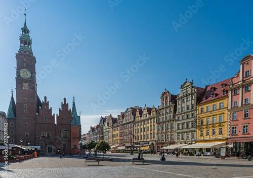 Poster Northern Europe Breslau – Rathaus mit Rathausturm und Gründerzeithäusern am Rynek