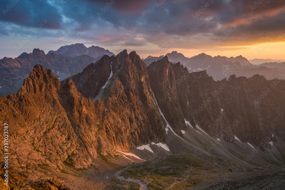 Fototapety, obrazy: Zachód słońca widoczny z Lodowej Przełęczy ,Wysokie Tatry.