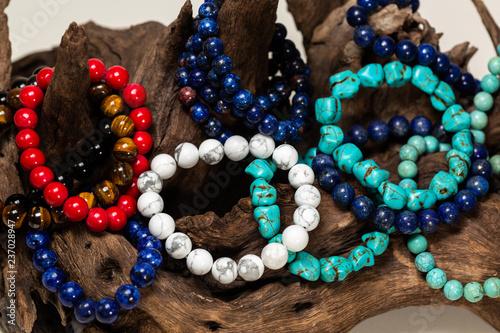 Fotografía  Group of many stone bracelet