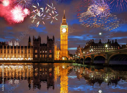 Foto  Big Ben with firework in London, England (celebration of the New Year)