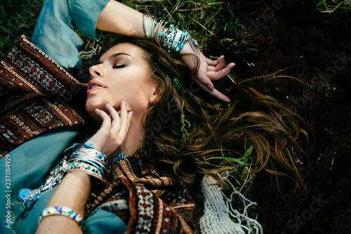 Foto auf Gartenposter Gypsy beautiful hippie girl