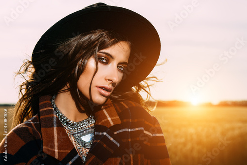 Poster Gypsy young woman in hat