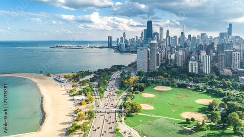 Deurstickers Centraal-Amerika Landen Chicago skyline aerial drone view from above, lake Michigan and city of Chicago downtown skyscrapers cityscape from Lincoln park, Illinois, USA