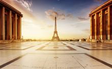 Trocadéro Au Lever De Soleil Avec La Tour Eiffel