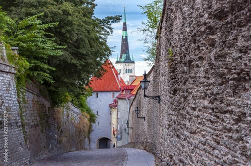 Photo  St. Olaf's church (Oleviste kirik) in Tallinn old town, Estonia