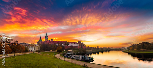 Fototapeta Royal Castle of Wawel by morning golden hour (panoramic) obraz