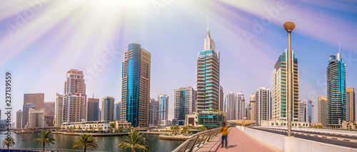 Foto auf Gartenposter Flieder General view of Dubai Marina. Line of the city skyline.