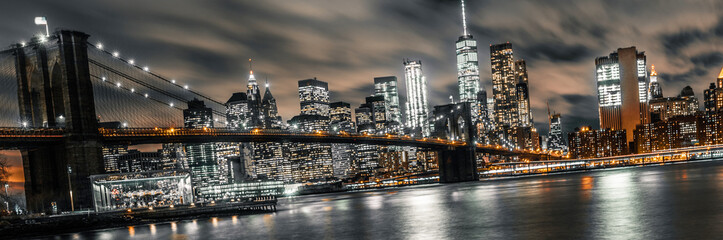 Fototapeta Do salonu brooklyn bridge night long exposure with a view of lower manhattan