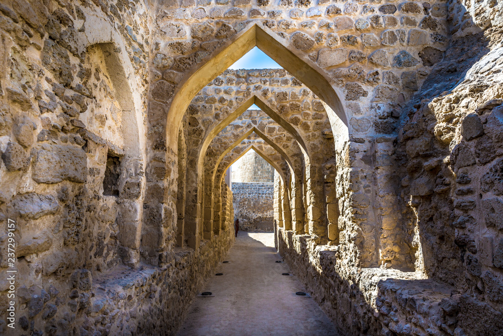 Fototapety, obrazy: The Qal'at al-Bahrain, also known as the Bahrain Fort or Portuguese Fort, is an archaeological site located in Bahrain, on the Arabian Peninsula