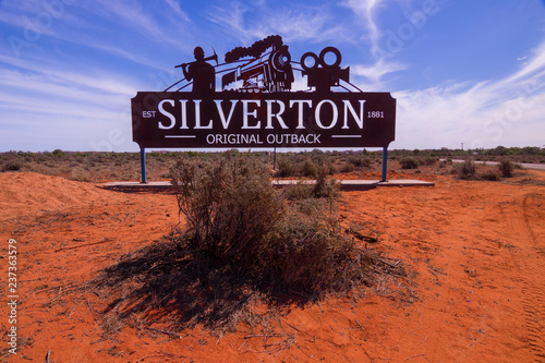 Fototapeta  Silverton town welcome sign