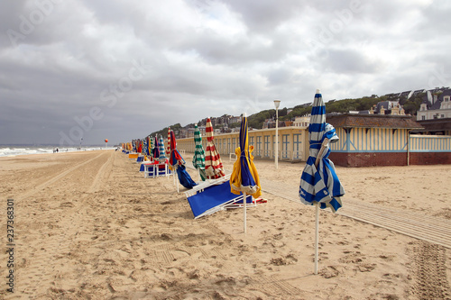 promenade and beach cabins trouville