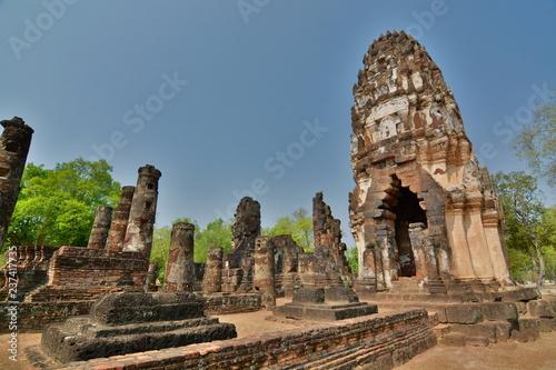 Fotografie, Obraz  Temple in ruins. Sukhothai historical park. Thailand