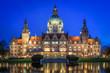 canvas print picture - Neues Rathaus von Hannover zur blauen Stunde