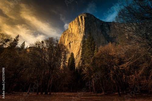 Photo  Twilight on El Capitan, Yosemite National Park, California