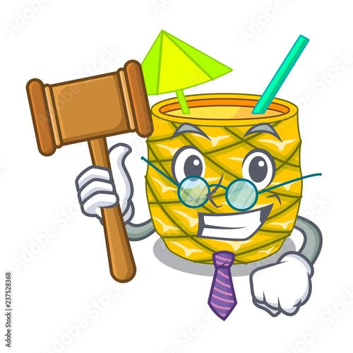 Foto  Judge bottles pineapple juice on cartoon table