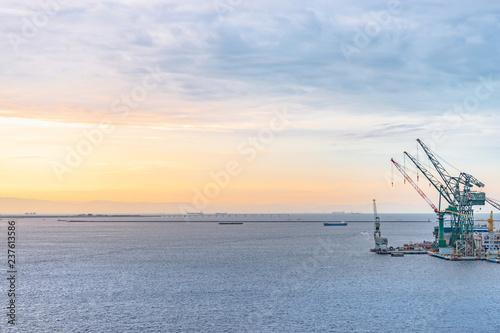 Foto op Plexiglas Poort 朝焼けの神戸港
