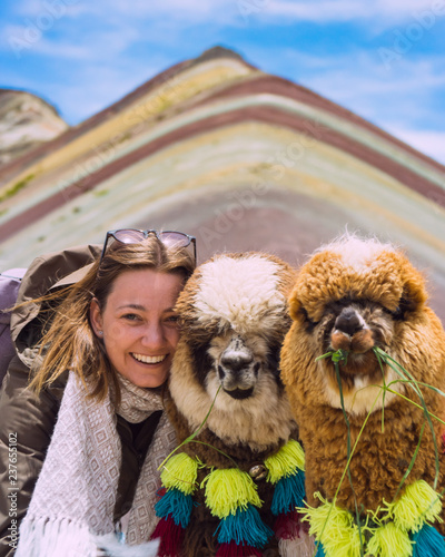 Fotografie, Obraz  Travel Girl with Alpacas
