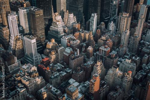 Foto op Plexiglas New York City A bird's eye view of buildings in Midtown Manhattan, New York City