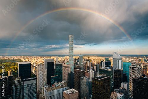 Deurstickers New York City A rainbow over Midtown Manhattan, New York City