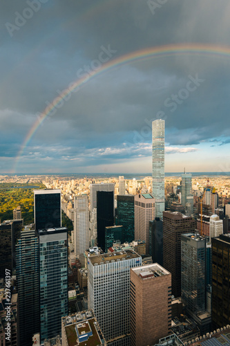 Poster New York City A rainbow over Midtown Manhattan, New York City