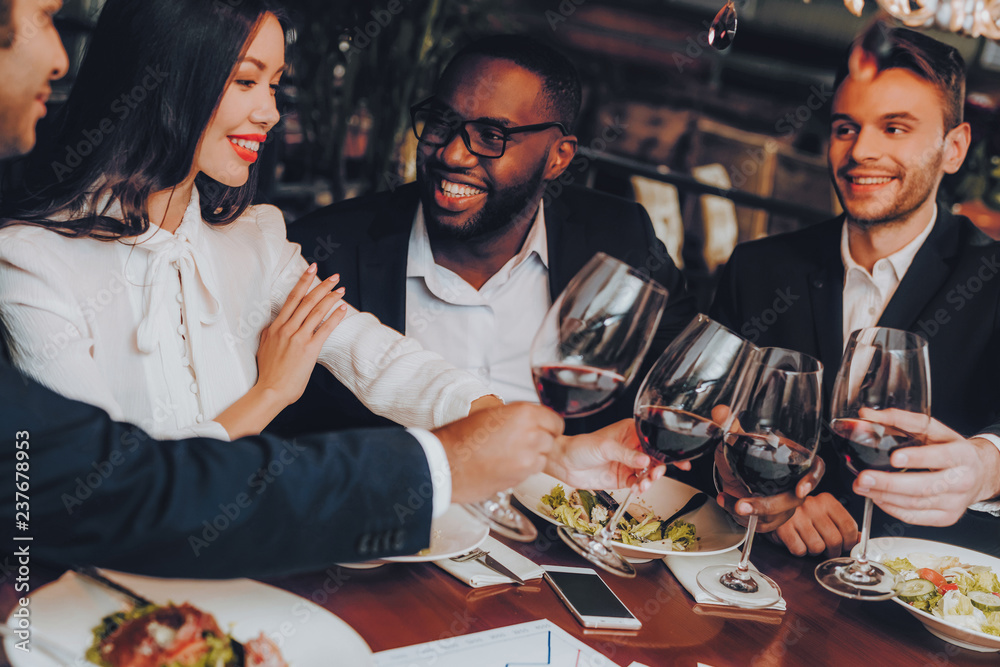 Fototapety, obrazy: Businessmans Having Meeting In Indoor Restaurant