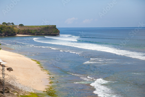 Foto op Plexiglas Oceanië White sand beach, top view. Kuta city, Bali island.