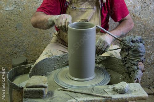 Fotografie, Obraz  Artigiano al lavoro su tornio