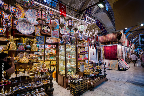 Staande foto Marokko ISTANBUL, TURKEY - JULY 10, 2017: Grand Bazaar in Istanbul, Turkey. It is one of the largest and oldest covered markets in the world