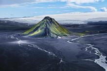 Maelifjell, Berg Wie Ein Vulkan Im Hochland Von Island