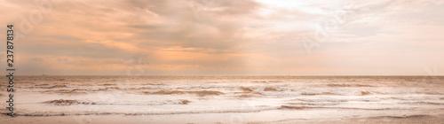 Fényképezés  Greena ( Dänemark ) - Ostsee Strand mit Wolken und Wellen