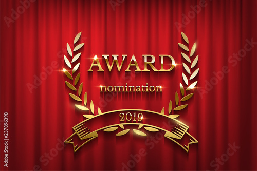 Photo  Golden award sign with laurel wreath and ribbon isolated on red curtain background