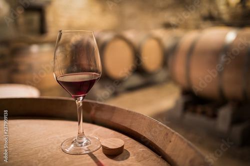 verre de vin en cave