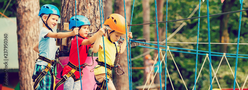 Fotografía Child in forest adventure park