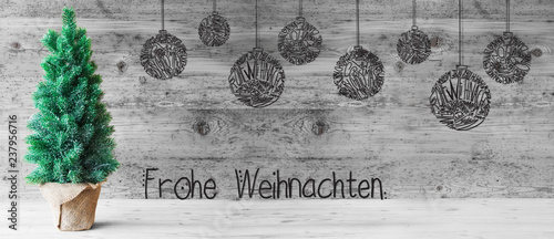 Poster Graffiti Tree, Ball, Frohe Weihnachten Means Merry Christmas, Gray Wood