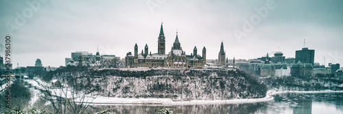 Keuken foto achterwand Historisch geb. Ottawa Parliament in Winter . Cityscape of Canada's capital city, canadian travel destination in snow landscape. Banner panorama.