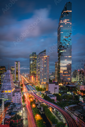 Fotografia  Bangkok downtown and business financial district of Thailand, Twilight scene
