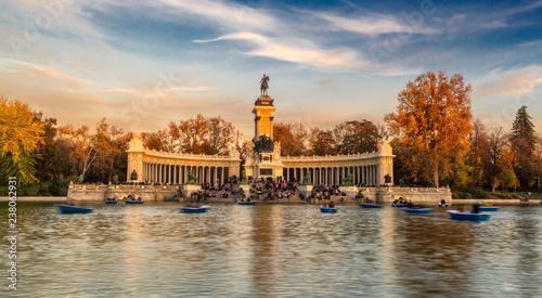 Parque del retiro en la ciudad de Madrid