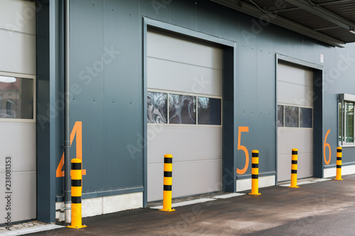 Foto  Warehouse gates with numbers