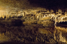 Luray Caverns Is Geologial Wonder Adorned With Speleothems Such As Columns, Mud Flows, Stalactites, Stalagmites, Flowstone, And Mirrored Pools