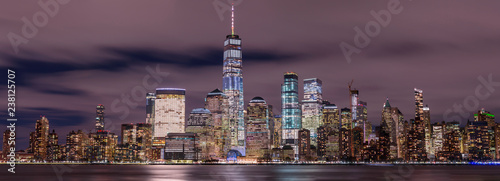 Photo  Panorama on Financial District at night with long exposure