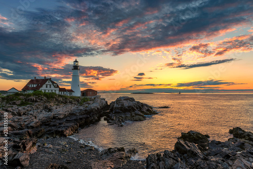 In de dag Centraal-Amerika Landen Portland Lighthouse at sunrise in New England, Maine, USA.