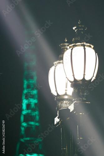 Fotografía  Illuminated street lamp at night in Melbourne, Australia