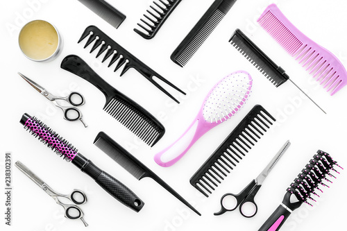 Fotografía combs for hairdresser hairdresser on white background top view